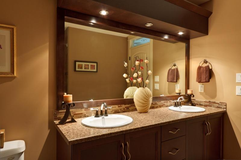Jazel homes custom homes portfolio tallus ridge for Main bathroom designs